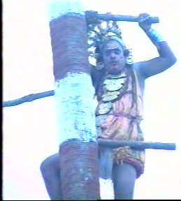 Sre Bhaaskharamaharishi taking the Role King Arjuna in 'The Great Penence of Arjuna'